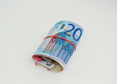 Займы до зарплаты онлайн на карту, счет, Qiwi, наличными